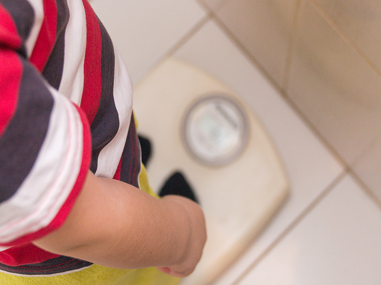 Should I intervene in my child's weight loss or gain ?
